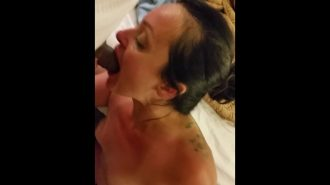 Sapık kadın gizlice porno çekiyor