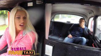 Usta Şoförlere Taş Çıkaran Seksi Taksici İşini Biliyor
