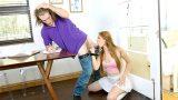 Kural Tanımaz Asi Kız Adeta Tuttuğunu Koparıyor